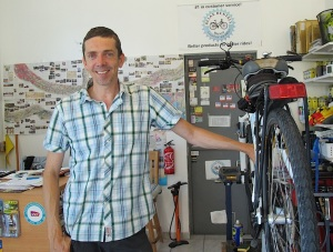 Bike shop owner Timo.
