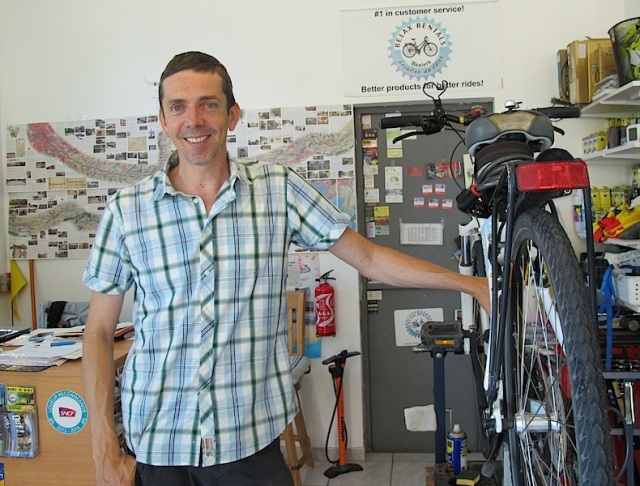 Bike shop owner Timo.