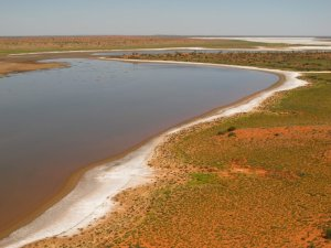 Salt lakes and sandhills out in the middle of nowhere. Image credit: Josef Schofield (friend).