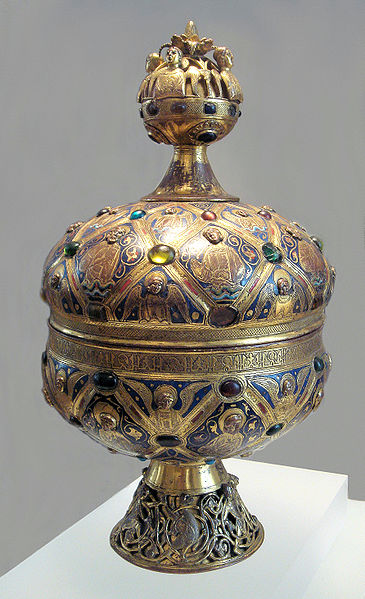 A Limoges enamel ciborium with champlevé enamel circa 1200. Image credit: World imaging via Wikipedia.