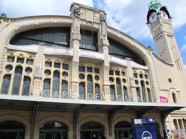 The entrance to the art nouveau Gare de Rouen.