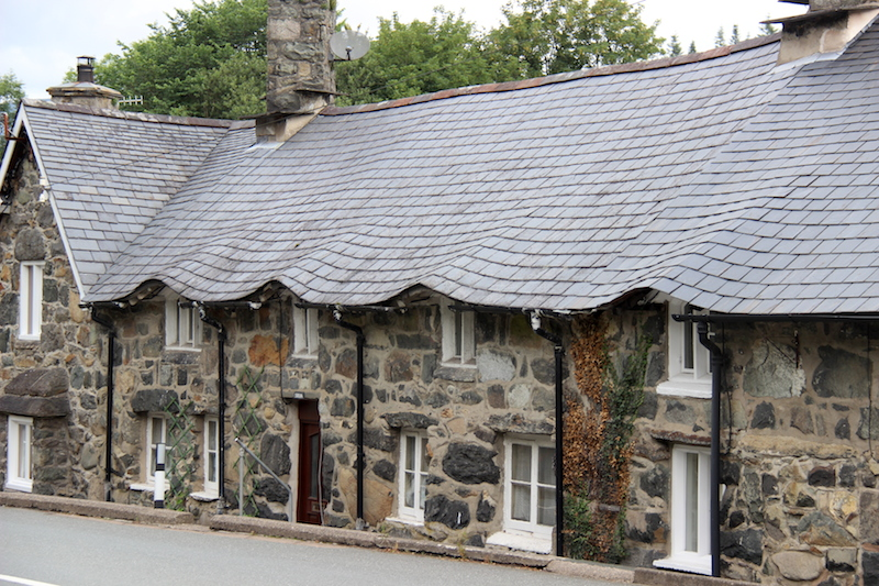 13 Slate Eyebrow Roof Fred And Bevs Odyssey