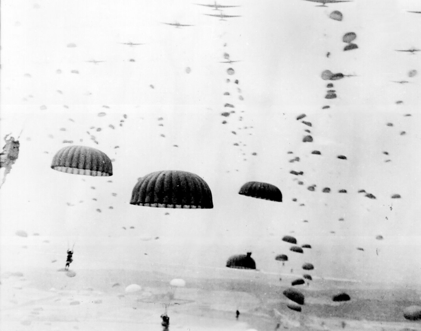11 Waves_of_paratroops_land_in_Holland