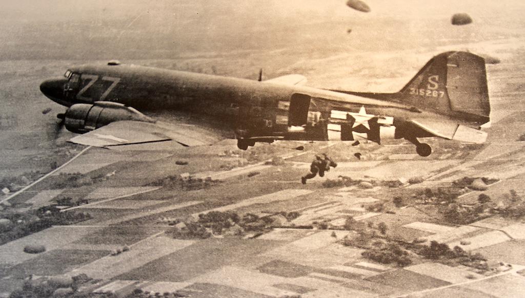12 WW2 DC3
